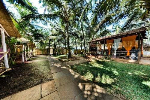 Shiva Cottages