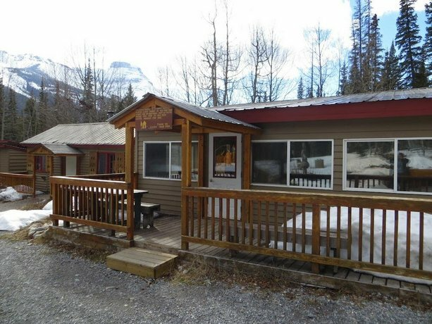 Hi Rampart Creek Hostel