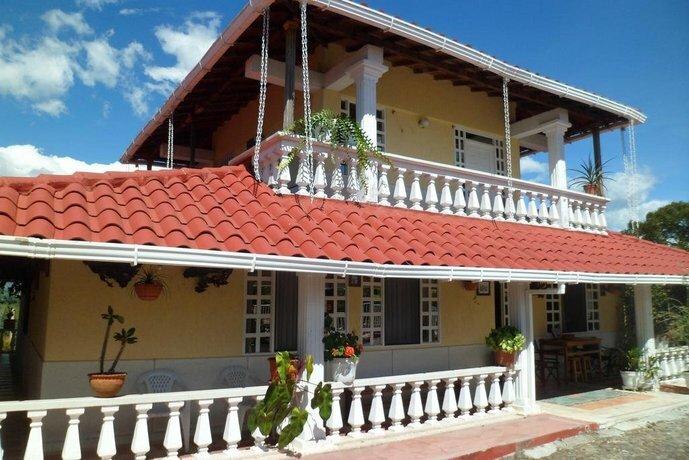 Casa Campestre La Colombiana