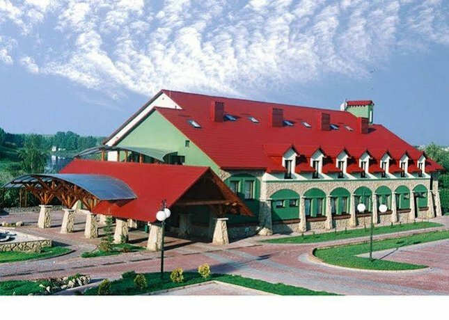 Отель Навария Нова