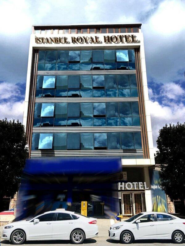 Airport Royal Suites