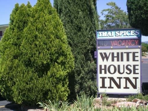 White House Inn