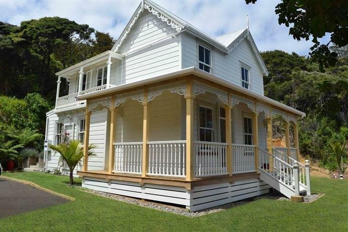 Oke Bay Lodge