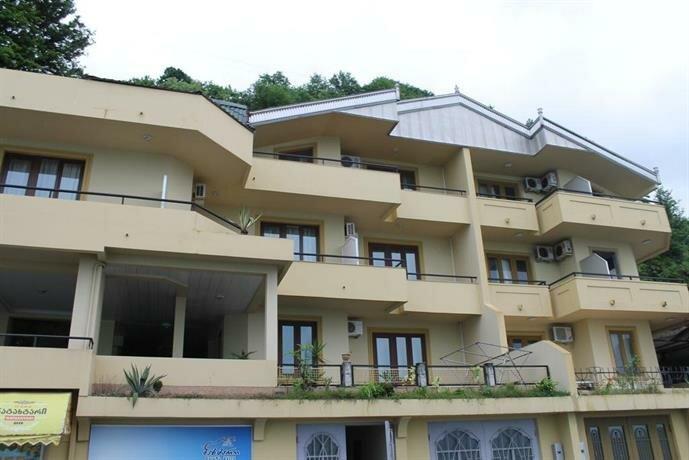 Pirveli Guest House