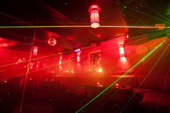 Стриптиз клуб шандра ночной клубы на китай городе