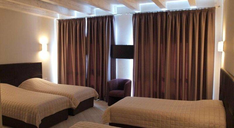 Hotel Nika 2