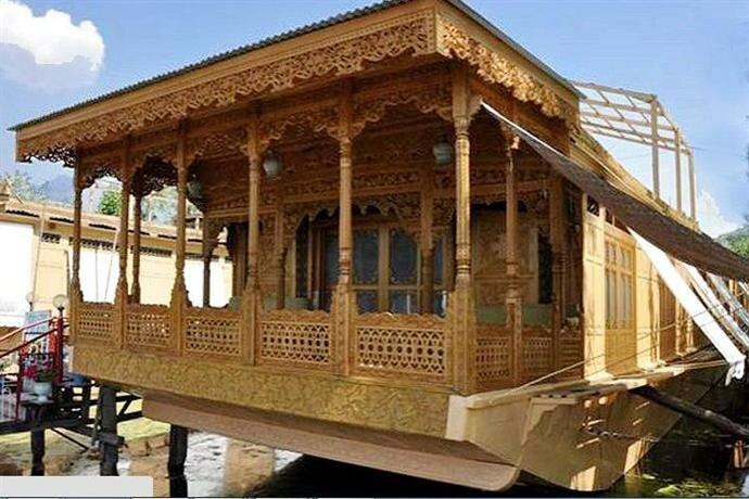 Tajmahal Houseboats