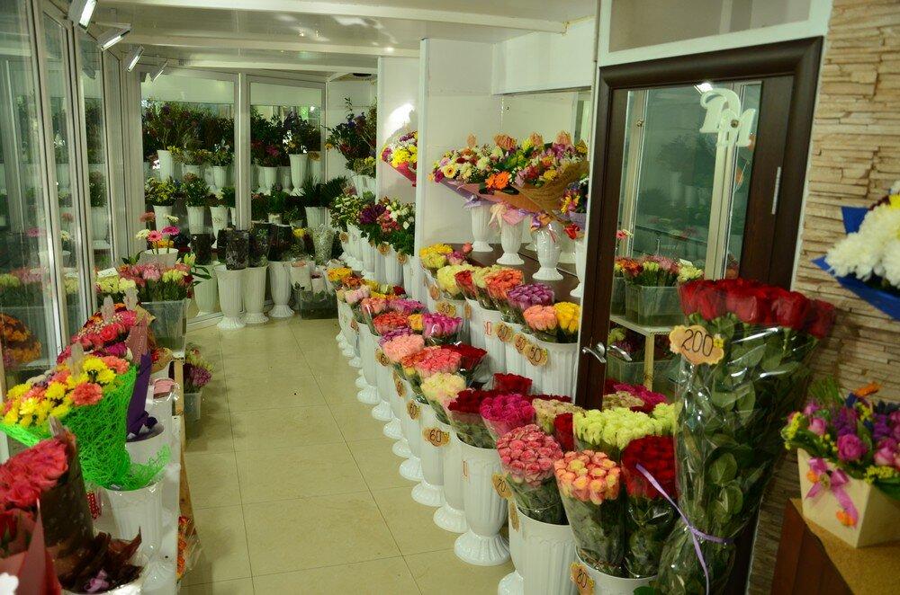 Цветов, цветы оптом пролетарская