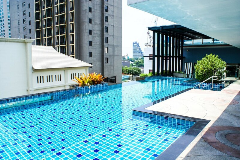 Sixty Six Pattaya Beach Road Apartment
