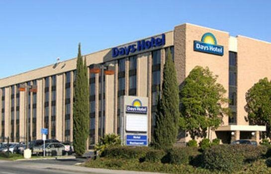 Days Hotel by Wyndham Oakland Airport Coliseum