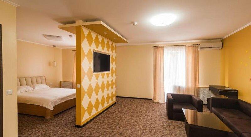 Rhombus Hotel