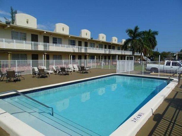 Oyo Hotel Pompano Beach