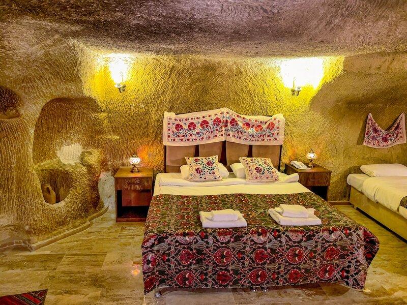 Heritage Cave Suites