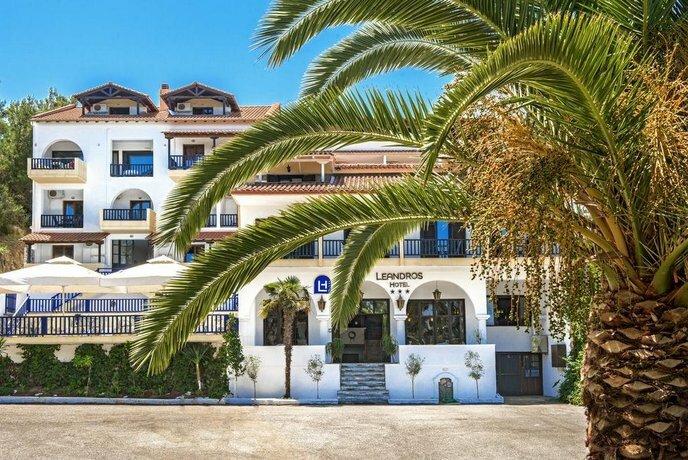 Leandros Hotel Nea Roda