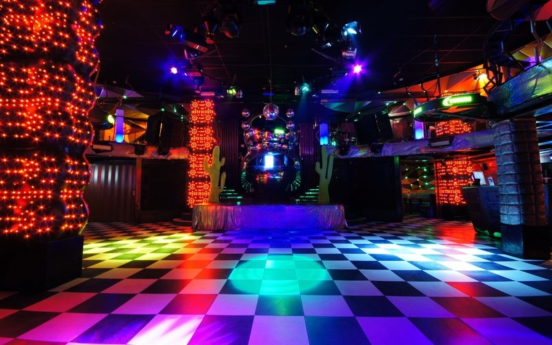 Ночные клубы проспект вернадского сервис митсубиси в москве клуб