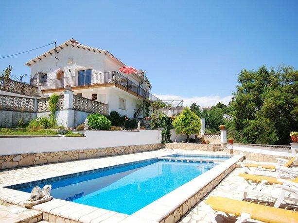 Villa in Lloret de Mar - 104819 by Mo Rentals