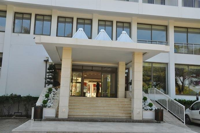Ally Hotel