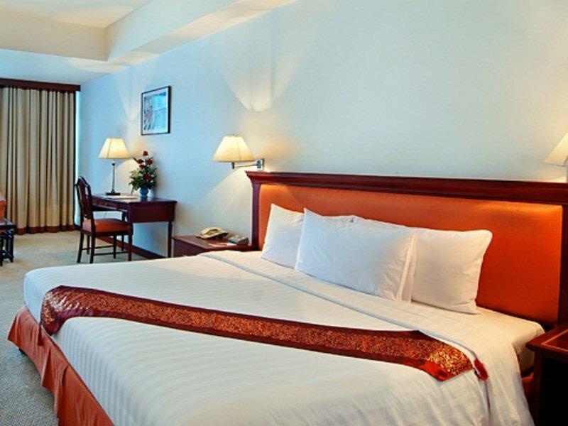Tai-Pan Hotel