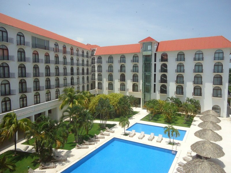 Caracol Plaza