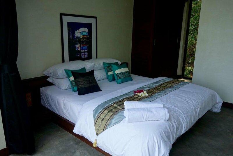 Paritta Sky Villa A 2 villas with 3 beds each