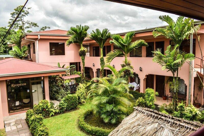 Hostel La Choza Inn
