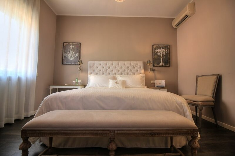 Like Home - Boutique Hotel