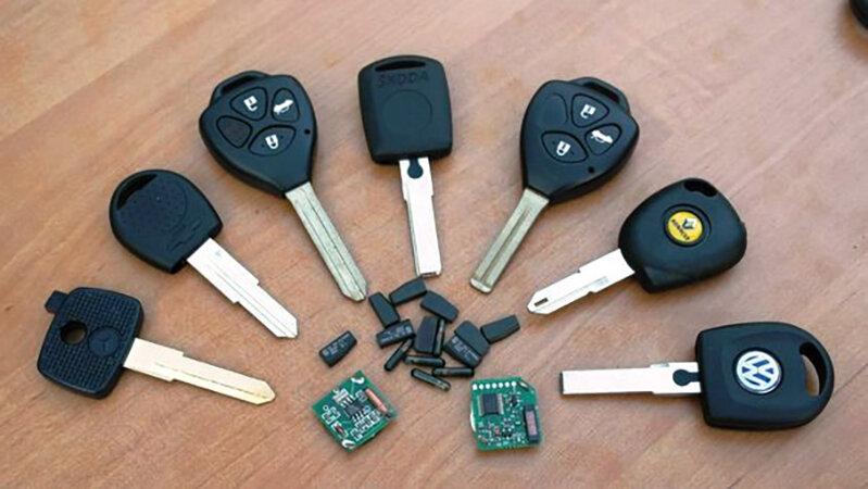 мебель, картинка разбираем ключи дела идут