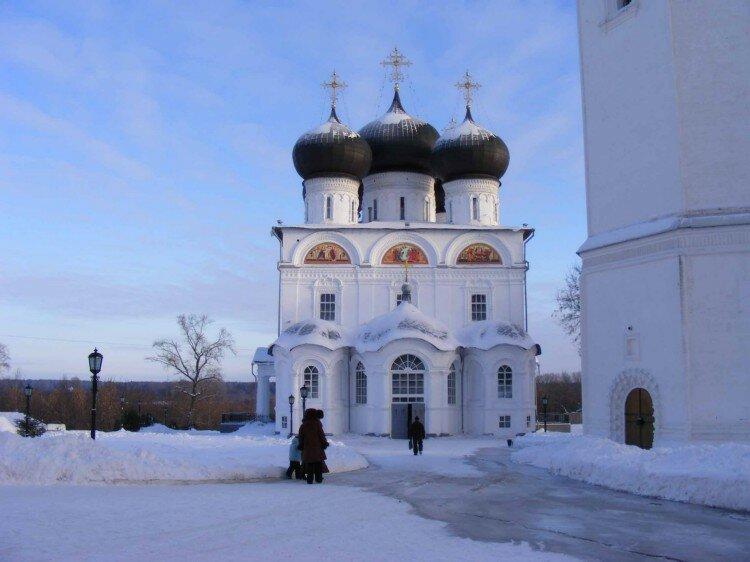 Картинки трифонова монастыря киров