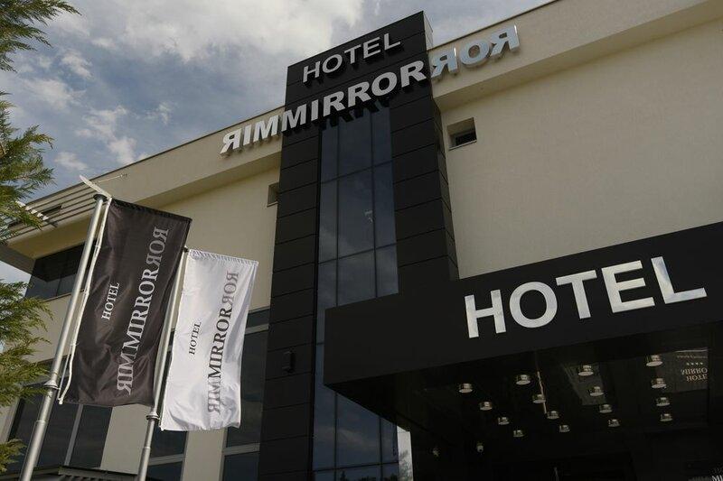 Отель Mirror