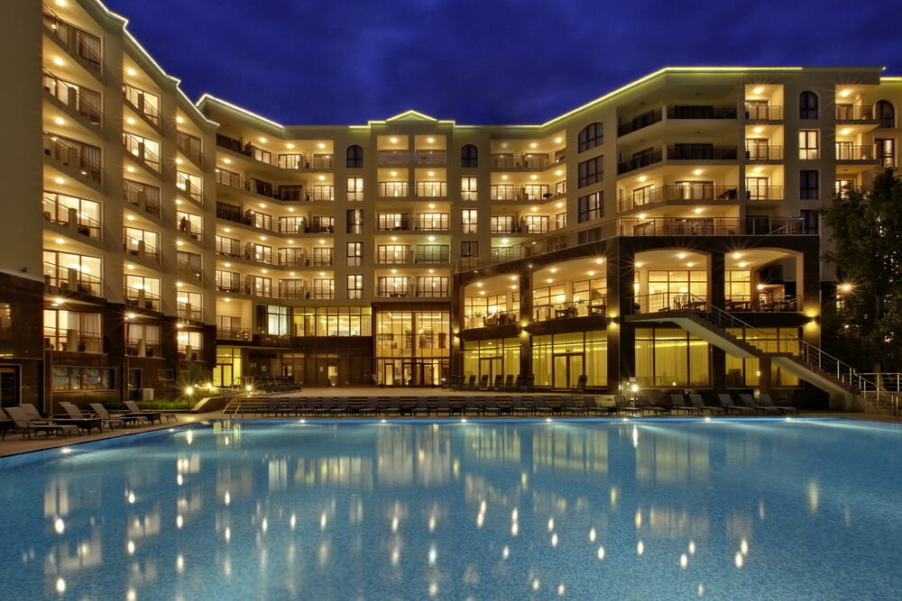 Огромный отель картинки