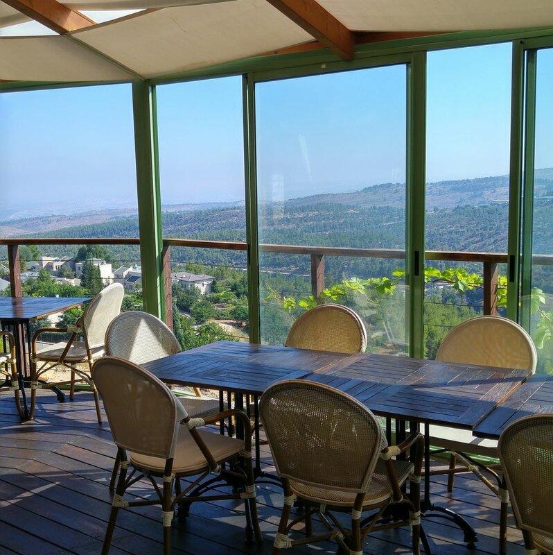 Shoresh Green Hills Family Suites Hotel