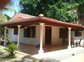 Damith Tourist Inn