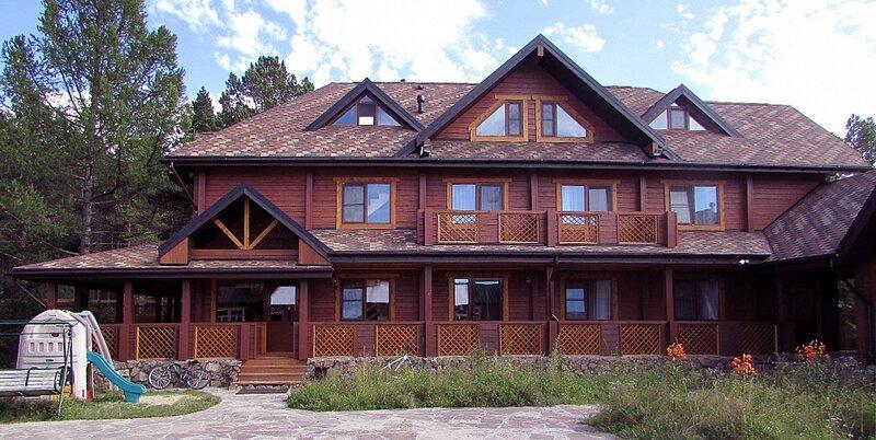 Александр хаус. Гостевой дом в Энхалуке на Байкале