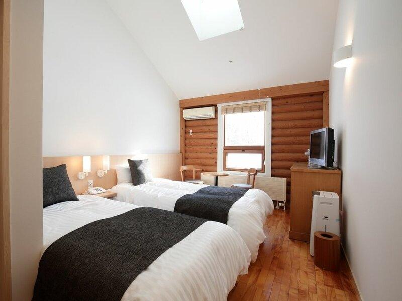 Log Hotel The Maple Lodge