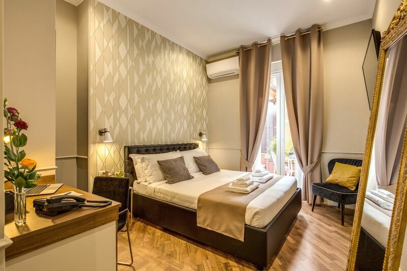 Charme Spagna Boutique Hotel