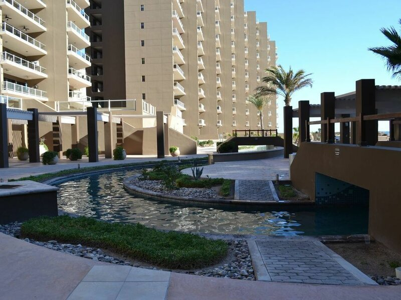Las Palomas Topaz 302 Apartment 2