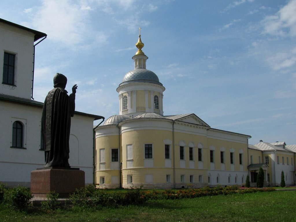 старо голутвинский монастырь фото вам остается