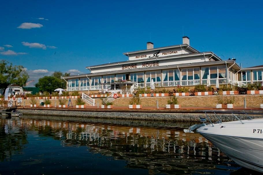 Яхт клубы москвы и их рестораны девки в закрытых клубах
