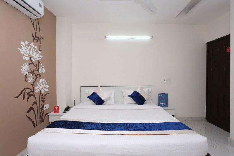 Oyo 10008 Hotel Golden Tree