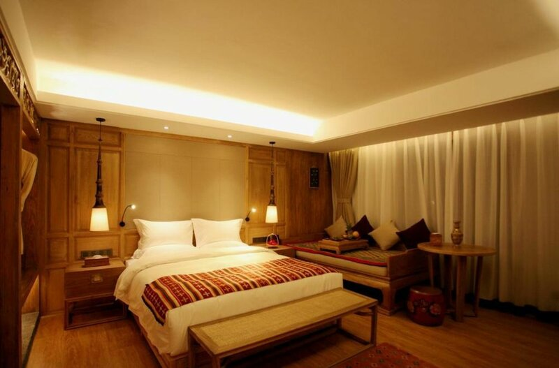 Daniel Lawence Gadan Manor Hotel