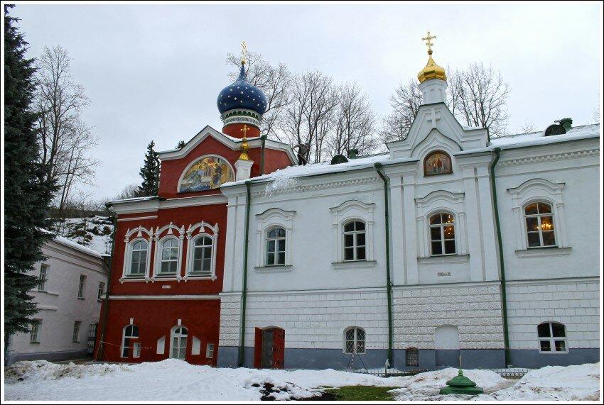 монастырь — Свято-Успенский Псково-Печерский монастырь — Печоры, фото №1