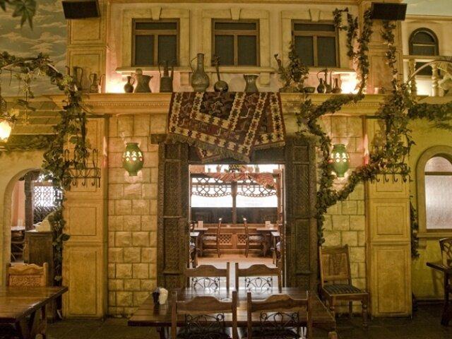 этом фото ресторана шеш беш у метро арбатская отдаёт предпочтение