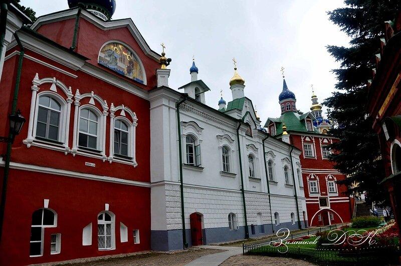 монастырь — Свято-Успенский Псково-Печерский монастырь — Печоры, фото №3