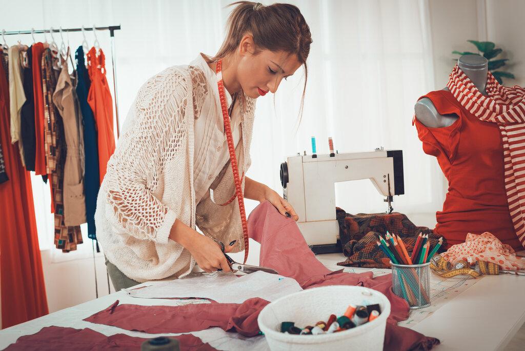 шитье одежды картинка живешь рядом знаешь