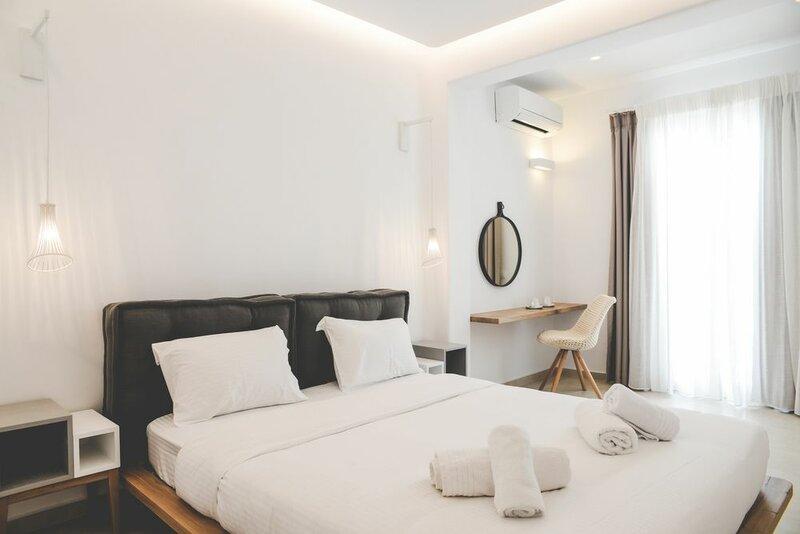 Super Paradise Suites