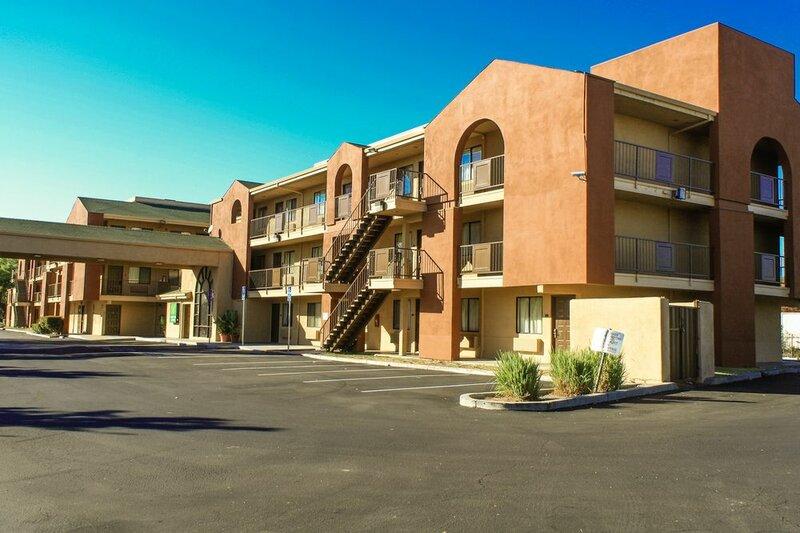 Budget Inn And Suites Stockton Yosemite Airport