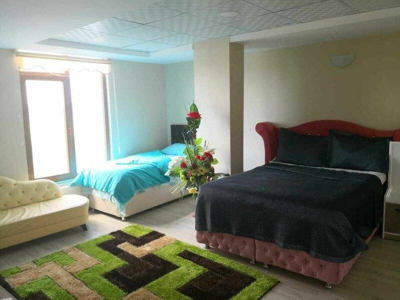Yukselen Otel