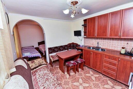 Агасу Тун Guest House