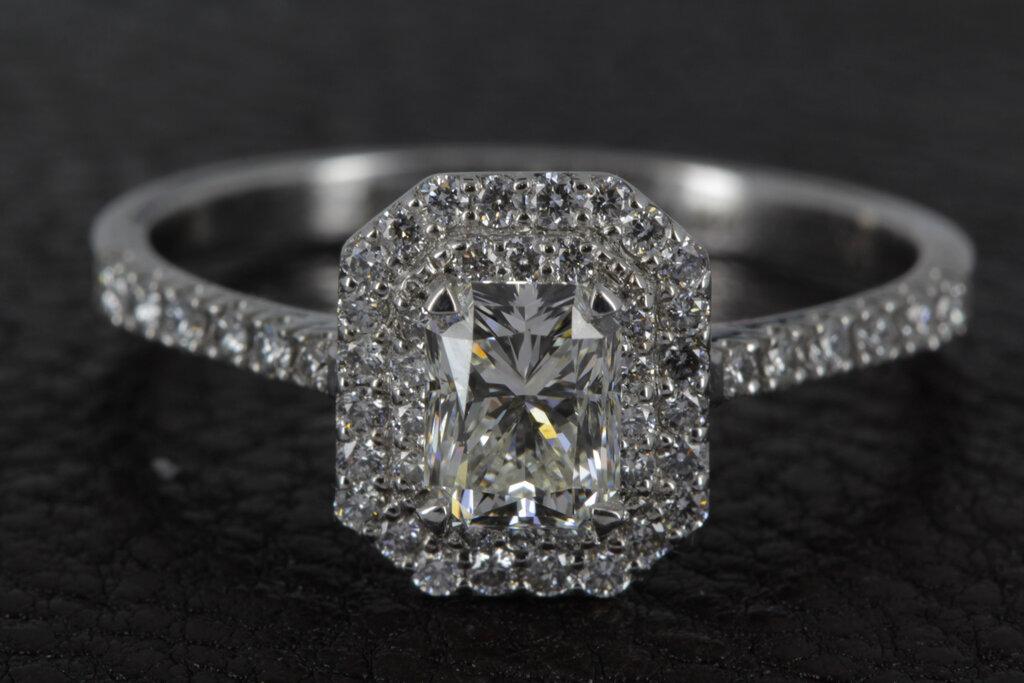 ЭПЛ. Якутские бриллианты»: каждая женщина достойна своего ... | 683x1024