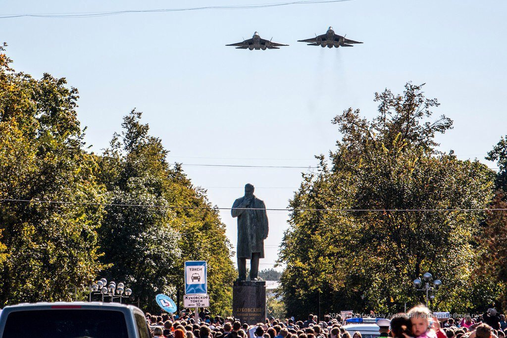 памятник, скульптура — Памятный камень с цитатой Н.Е. Жуковского — Жуковский, фото №2